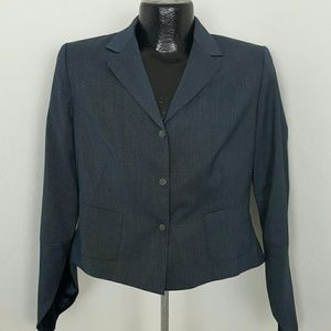 The Tahari blazer full lining three snaps front